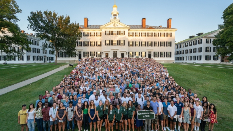 Portrait of the Class of 2022 in front of Dartmouth Hall